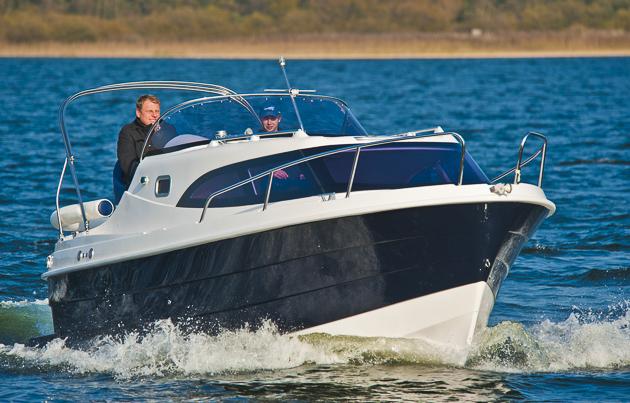 Aqua Royal Navigator 780: Kajütkreuzer für Preisbewusste