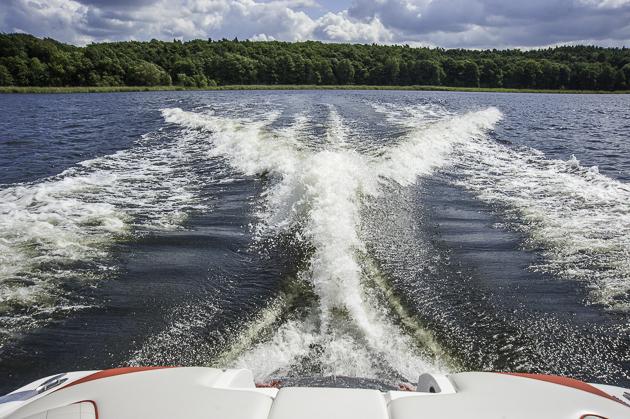 Blick zurück: Egal, welche Art von Akrobatik betrieben werden soll, die X55 macht die Welle. Foto: Dieter Wanke
