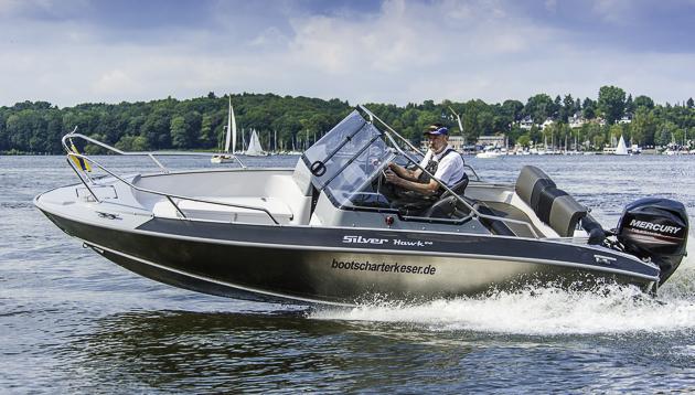 Gut im Wasser: Die Silver Hawk offenbarte beim Test keine Mängel im Fahrverhalten