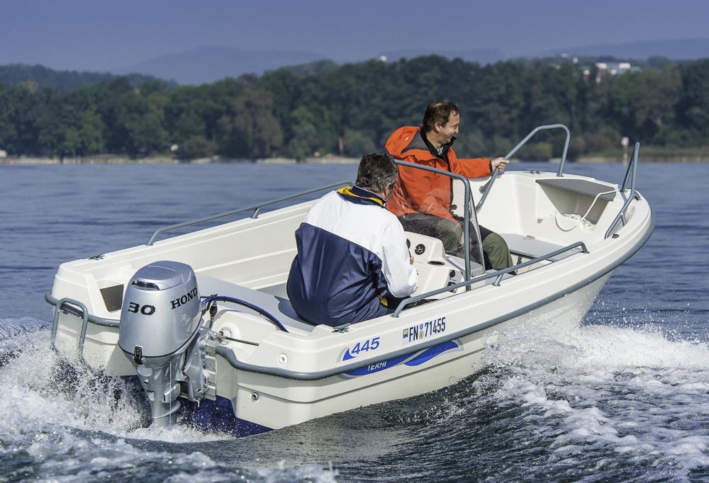 Alles, was ein Boot braucht: Die Terhi 445 C erhebt keinen Anspruch auf Luxus eignet sich dennoch für viele Anwendungsbereiche. Foto: Dieter Wanke