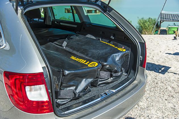 Die Tiwal 3.2 reist im Auto mit und wohnt dabei in zwei Packtaschen. Foto: Dieter Wanke
