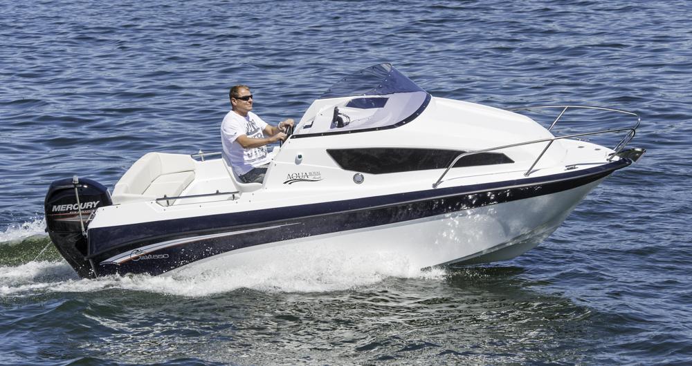 Trailerbar und kompakt: Mit der Aqua Royal 550 cruiser lassen sich ferne Reviere erkunden, dank CE-Zulassung der Kategorie C auch küstennahe Gewässer. Foto: Dieter Wanke