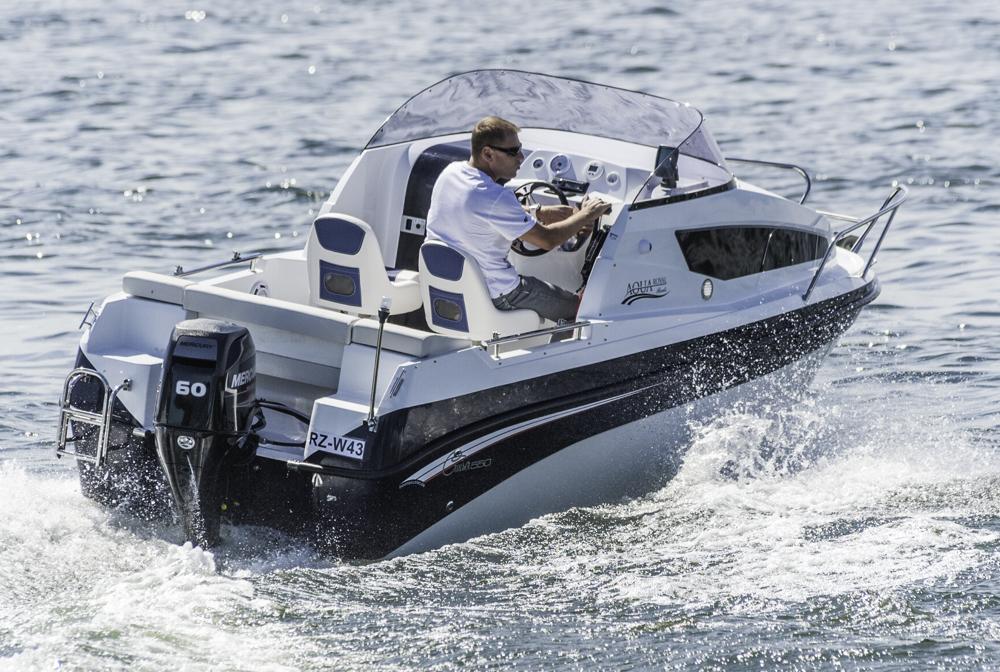 Auch mit weniger PS: Mit spärlicher Beladung erzielte das Boot beim Test auch mit dem 60-PS Außenborder recht ansehnliche Fahrleistungen