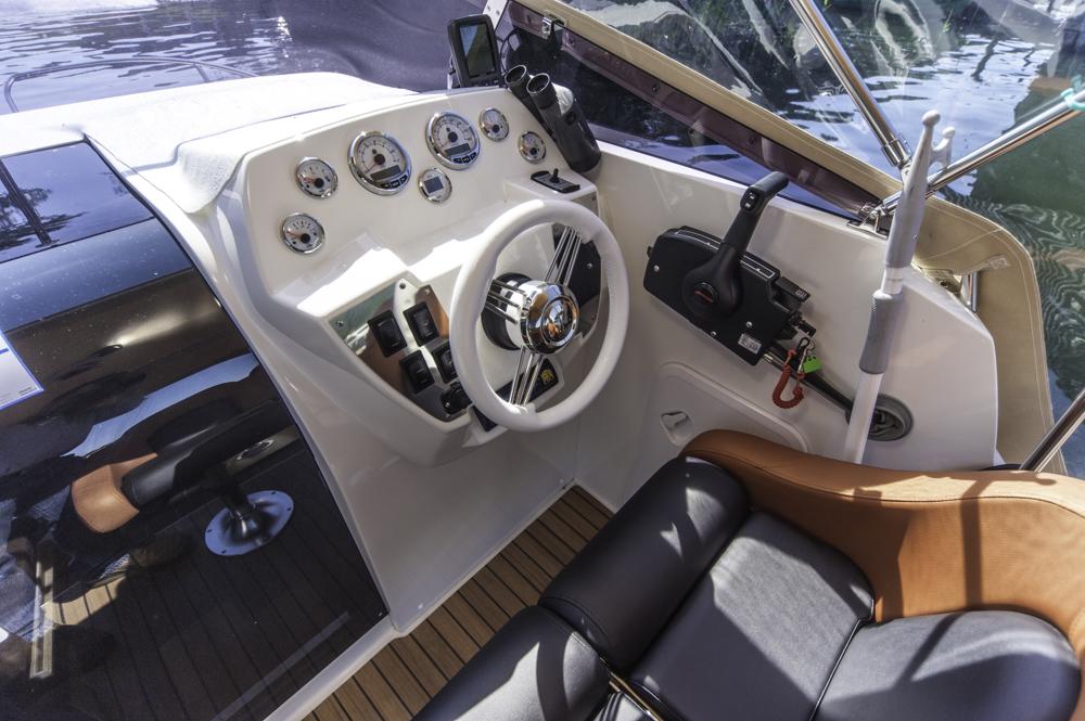 2015 AquaRoyal Cruiser 680-7194