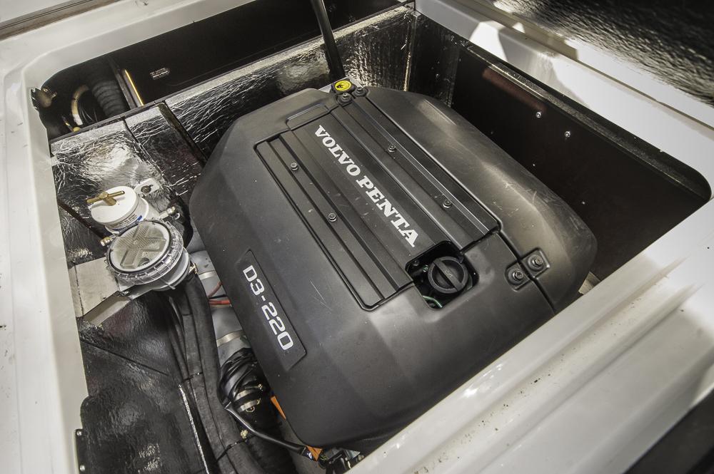 Dieselpower: Motoren von Volvo Penta und starre Welle sind Programm. Foto: Dieter Wanke
