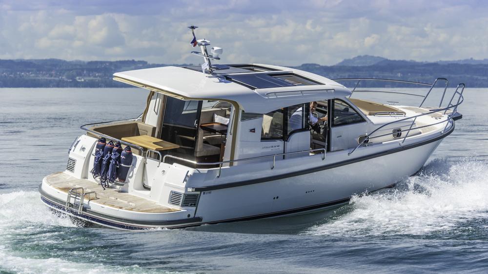 Kein Preisschock: Fast 400 Tausender für ein 11-Meter-Schiff klingen nach viel Geld, doch die reichhaltige Ausstattung, die man dafür bekommt, schafft hohen Wert.  Foto: boats.com/Wanke