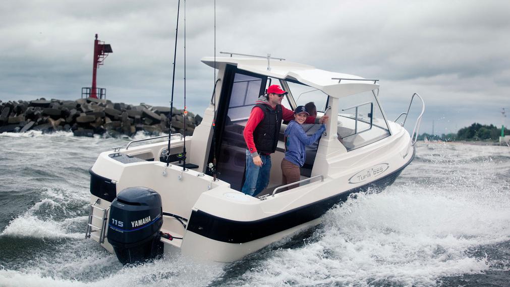 Ocean Master 665 Tuna Pilot House