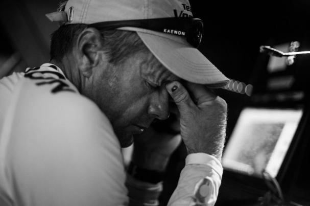 Unfassbar: Beim seinem fünften Volvo Ocean Race läuft Skipper Chris Nicholson mitten im Meer auf ein Riff. Foto: Brian Carlin/Team Vestas Wind/Volvo Ocean Race