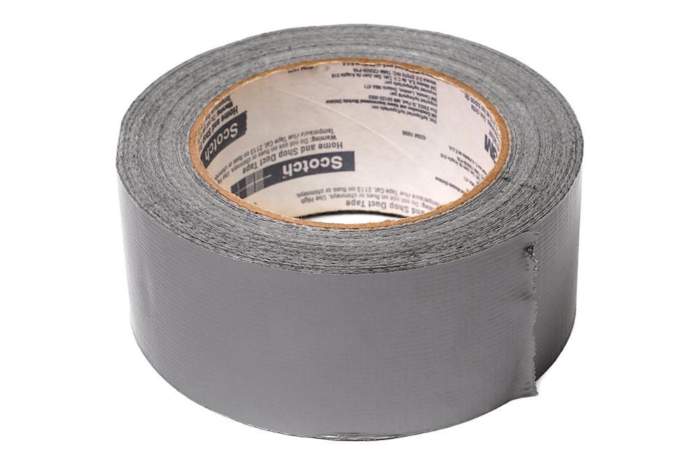 Die Kraft, die alles zusammen hält: Eine Rolle Duct Tape kann aber auch als Becherhalter kreativ eingesetzt werden.