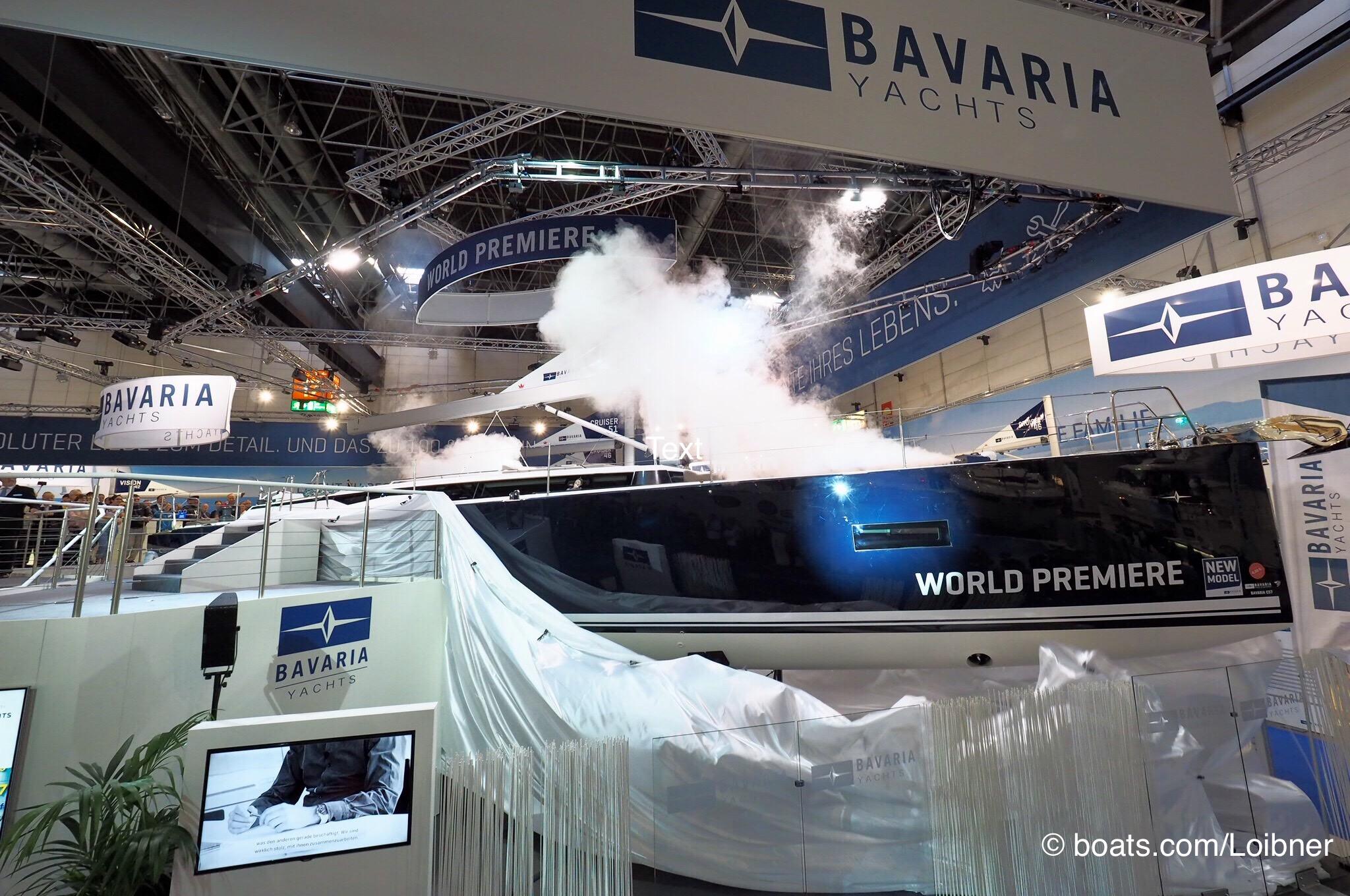 Viel Rauch um Großes: Premiere der Bavaria C57 auf der Boot in D Düsseldorf. Foto: boats.com/Loibner