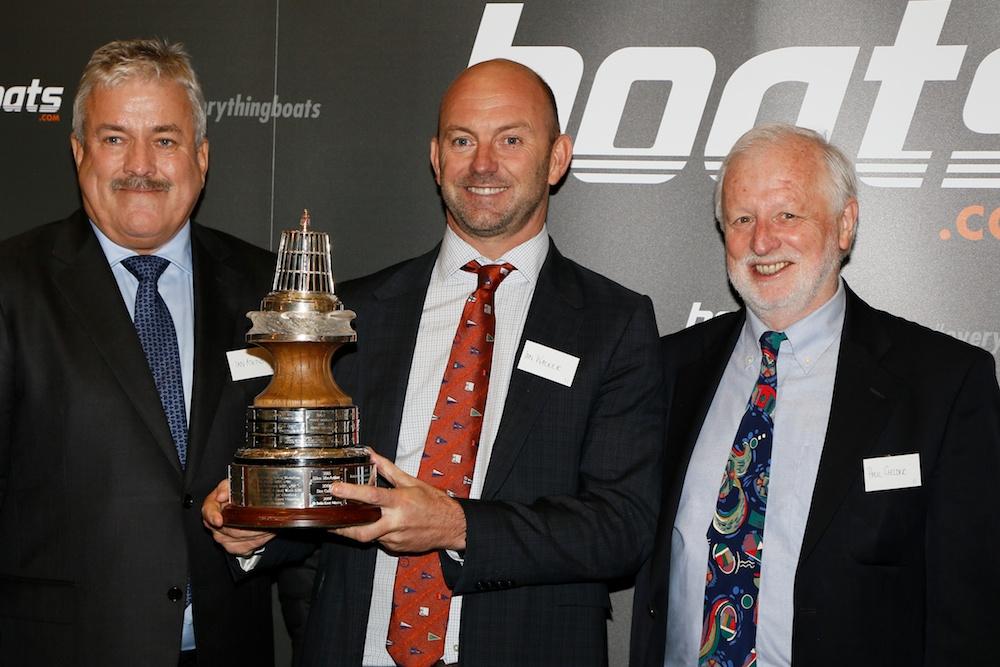 Preisträger Ian Walker zwischen Ian Atkins (l.) und YAJ-Chef Paul Gelder