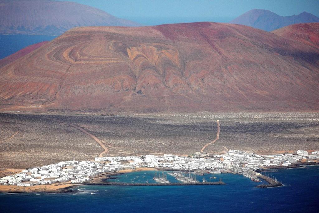 Karges Ambiente in der Caleta de Sebo auf der Insel Graciosa im Nordosten des Archipels, . Foto: Carl Victor