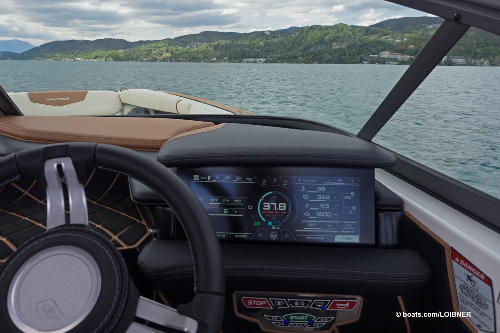 """Zahlen lügen nicht, auch mit """"Halbgas"""" geht es au der elektrischen GS20 immer noch flott zur Sache. Foto: boats.com/Loibner"""