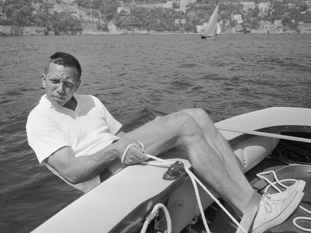 Elvstrom beim Training auf dem Finn Dinghy vor den Olympischen Spielen von Rom 1960