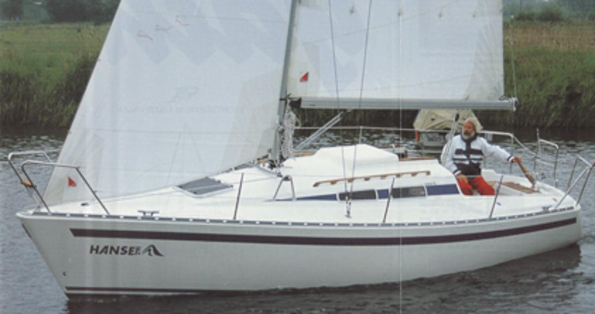 Ur-Hanse: Im Jahr 1993 feierte die Hanse 291 Premiere und das gleich als Preishammer: Das Schiff wurde für 44.444 ausgelobt. D-Mark, wohlgemerkt.  preishammer
