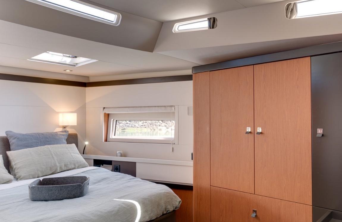 oceanis_yacht62_guest cabin
