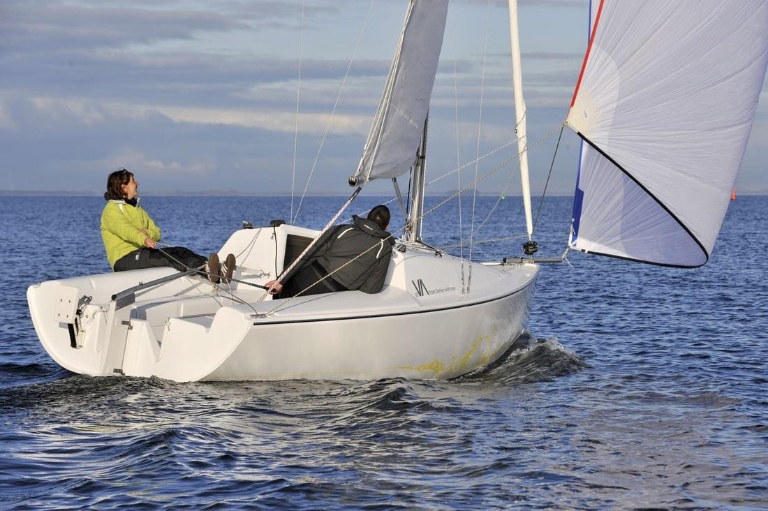 Kleines Revival: Von der aktualisierten Dehler 18 wurden 299 Boote gebaut, bevor Hanse die Produktion einstellte. Das Boot wird derzeit noch von einem Drittanbieter erzeugt.