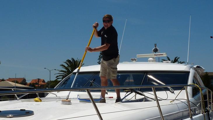 Bootspflege: Sauber in die Saison